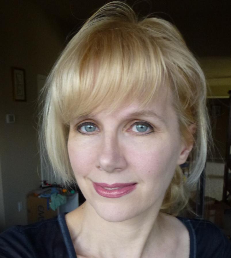 Louise Driggers headshot pinshape