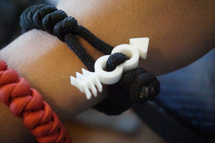 container_hipster-arrow-paracord-loop-end-3d-printing-76340