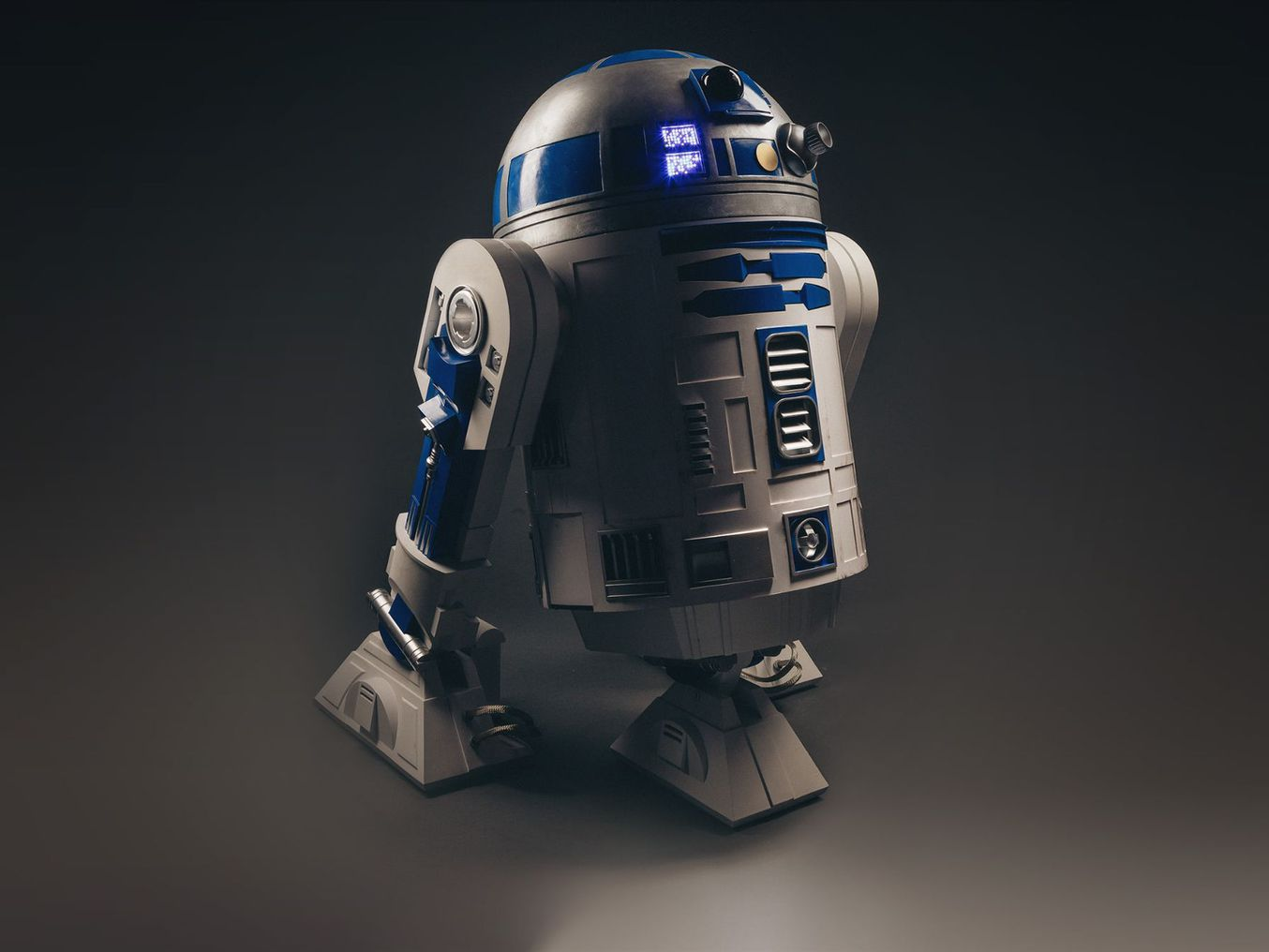 Full size, 3D printed, R2D2 using interlocking parts